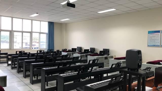 电钢教室-成都理工大学